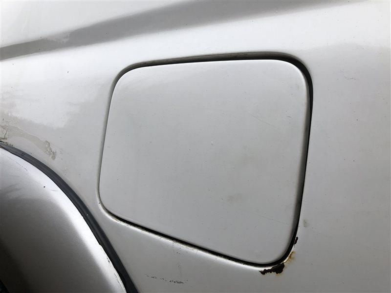 Лючок топливного бака Toyota Hilux Surf KZN185 KDN185 KDN185W KZN185G KZN185W RZN185 RZN185W VZN185 VZN185W 1KZTE (б/у)