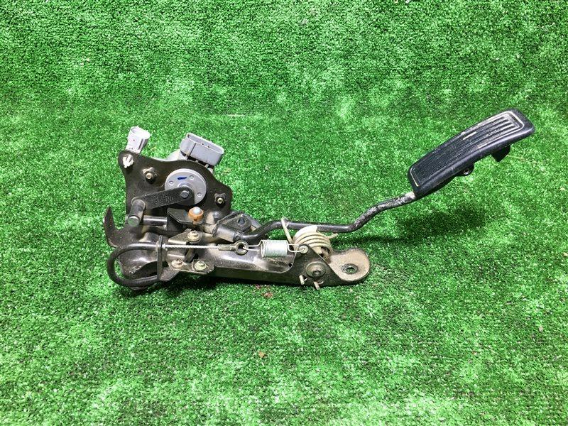 Педаль газа Toyota Hilux Surf KZN185 KZN185G KZN185W KZN165 KZN190 LN147 LN152 LN157 LN167 LN172 LN192 1KZTE (б/у)