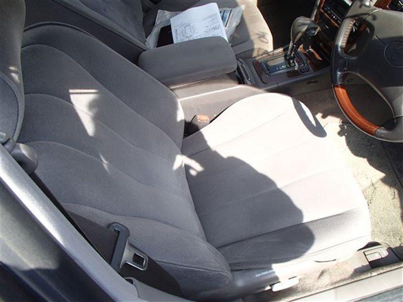 Сидение Toyota Mark Ii JZX100 GX100 GX105 JZX101 JZX105 LX100 1JZGE (б/у)