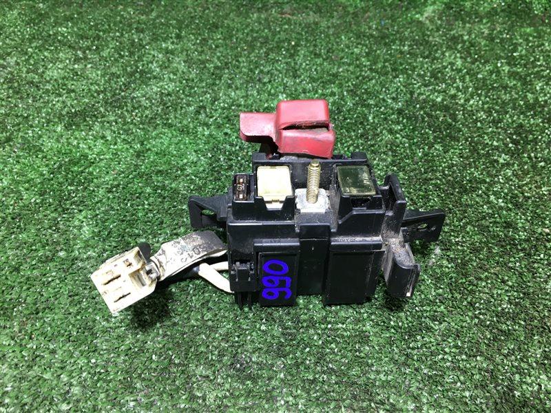 Блок предохранителей акб Toyota Hiace KZH106G 1KZTE (б/у)