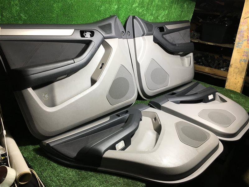 Обшивка дверей Toyota Hilux Surf TRN215 GRN215 GRN215W KDN215 KDN215W RZN210 RZN210W RZN215 RZN215W TRN210 TRN210W TRN215W VZN210  (б/у)