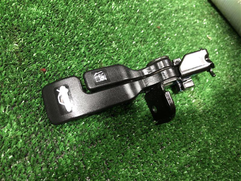 Ручка открытия бензобака Nissan Primera VENY11 VEY11 VFY11 VGY11 VHNY11 VY11 WFY11 WHNY11 TP12 HP12 QP12 RP12 TNP12 (б/у)
