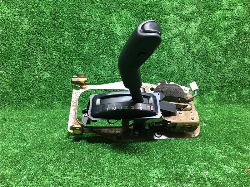Селектор акпп Toyota Hilux Surf KDN185 1KZTE (б/у)