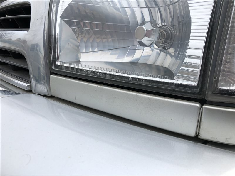 Планка под фары Toyota 4Runner KZN185 RZN180 RZN185 VZN180 VZN185 KDN185 KDN185W KZN185G KZN185W RZN180W RZN185W VZN180W VZN185W (б/у)
