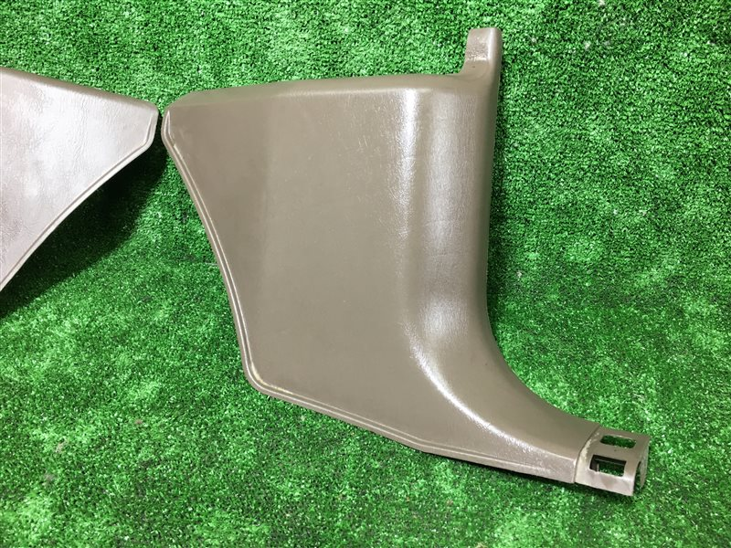 Обшивка салона Toyota Hilux Surf KDN185 1KZTE передняя правая нижняя (б/у)