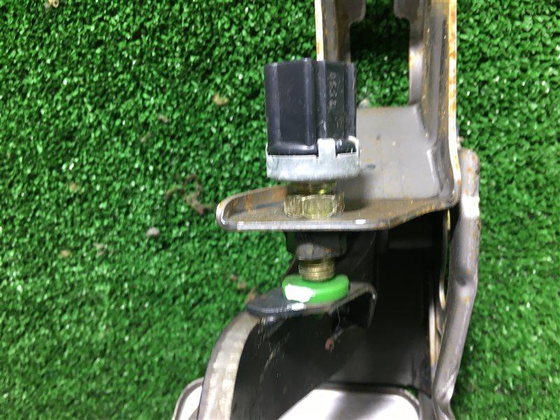 Концевик под педаль тормоза Toyota Raum EXZ10 5EFE (б/у)