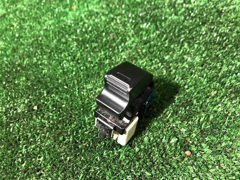Кнопка стеклоподъемника Toyota Lite Ace Noah CR40G 3CTE передняя левая (б/у)