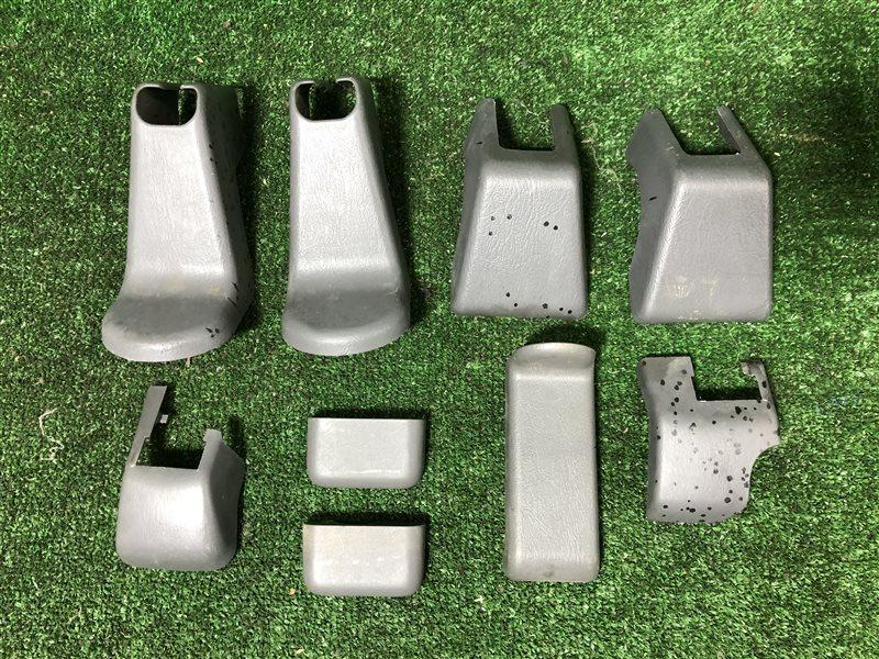 Заглушка крепления сиденья Toyota Lite Ace Noah CR50 CR40 CR40G CR50G SR40 SR40G SR50 SR50G 3CTE (б/у)