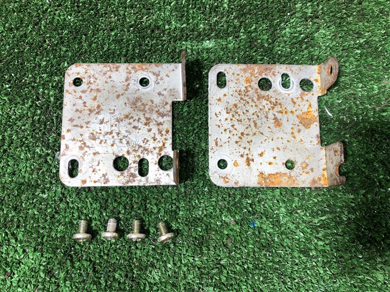 Крепление магнитофона Honda Odyssey GH-RA6 GH-RA7 GH-RA8 GH-RA9 LA-RA6 LA-RA7 LA-RA8 LA-RA9 F23A (б/у)