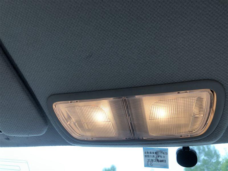 Светильник салона Honda Odyssey RA7 GH-RA6 GH-RA7 GH-RA8 GH-RA9 LA-RA6 LA-RA7 LA-RA8 LA-RA9 F23A передний (б/у)