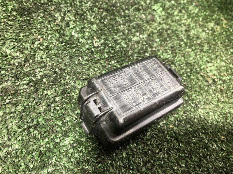Крышка блока предохранителей Honda Odyssey RA7 GH-RA6 GH-RA7 GH-RA8 GH-RA9 LA-RA6 LA-RA7 LA-RA8 LA-RA9 F23A (б/у)