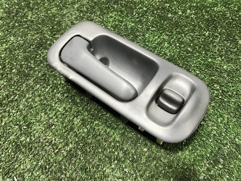 Ручка двери внутренняя Honda Cr-V RD1 E-RD1 GF-RD1 GF-RD2 B20B передняя левая (б/у)