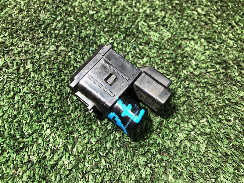 Датчик температуры салона Toyota Mark Ii Wagon Qualis MCV21 MCV20 MCV20W MCV21W MCV25 MCV25W SXV20 SXV20W SXV25 SXV25W (б/у)