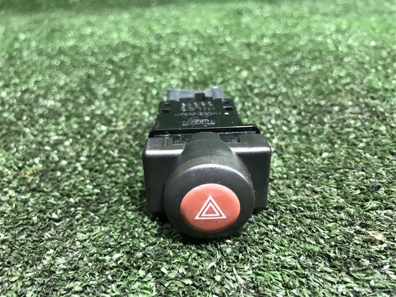 Кнопка аварийной сигнализации Nissan Skyline V35 CPV35 HV35 NV35 PV35 HM35 M35 NM35 PM35 PNM35 S15 VENW11 VEW11 (б/у)
