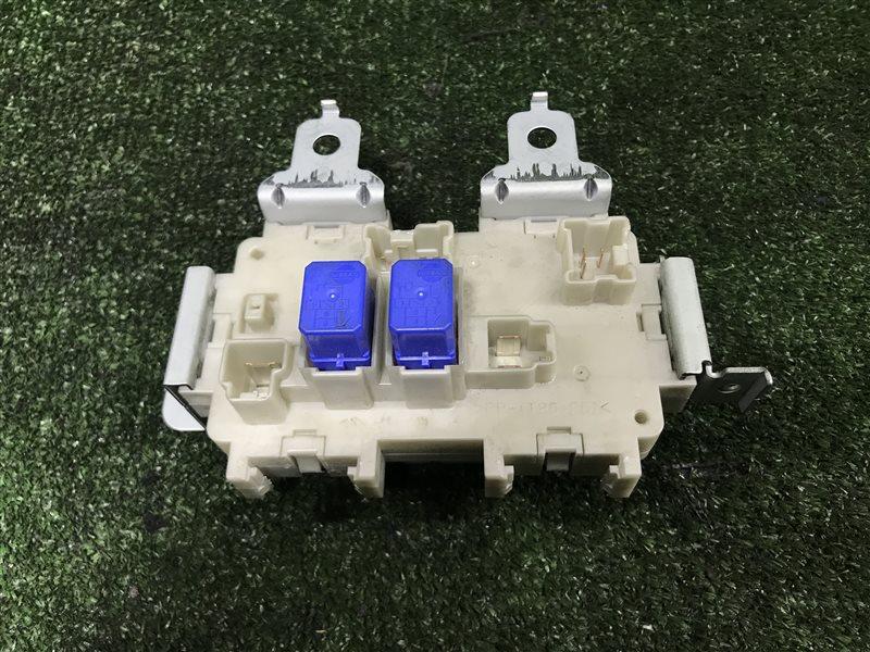 Блок предохранителей салона Nissan Skyline V35 HV35 NV35 PV35 HM35 M35 NM35 PNU31 PU31 TNU31 TU31 U31 VQ25DD (б/у)