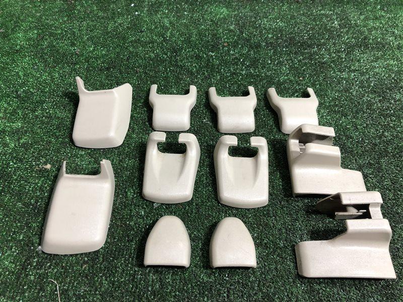 Заглушка крепления сиденья Toyota Vista Ardeo SV55 AZV50 AZV50G AZV55 AZV55G SV50 SV50G SV55G 3SFE (б/у)