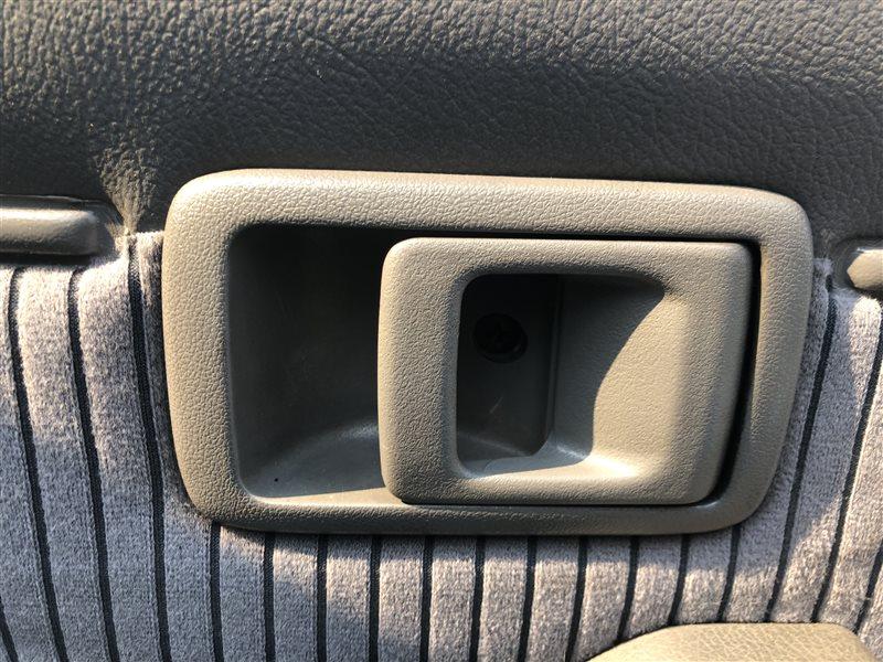 Ручка двери внутренняя Toyota Land Cruiser Prado KZJ78 LJ78 FJ75 HZJ75 HZJ76 HZJ77 HZJ79 KZJ78G KZJ78W LJ78G LJ78W PZJ77 (б/у)