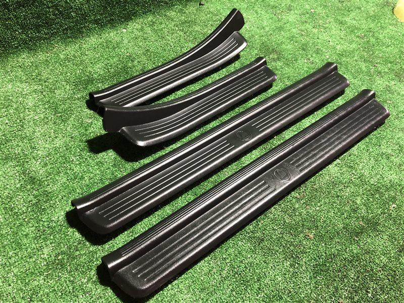 Порожки салона Nissan Laurel HC35 GC35 GCC35 GNC35 SC35 RB20DE (б/у)