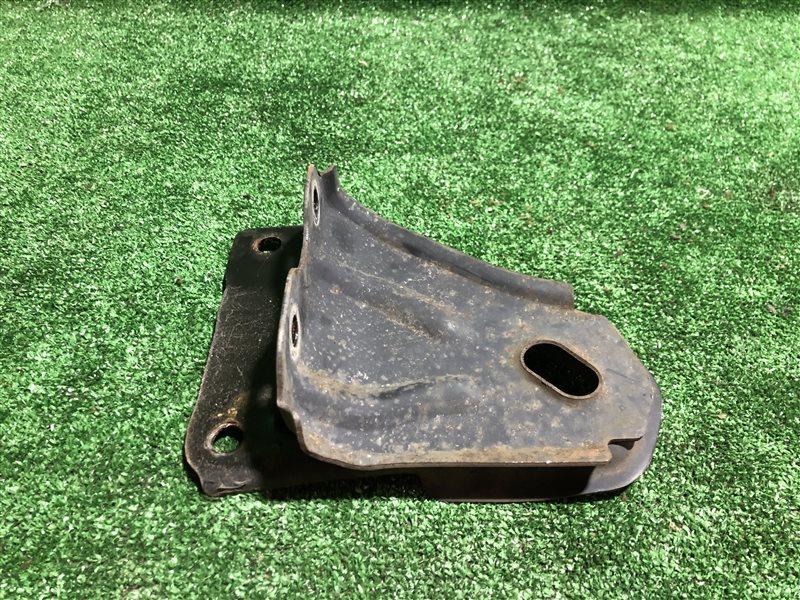 Защита горловины бензобака Nissan Laurel GC34 RB20DE (б/у)