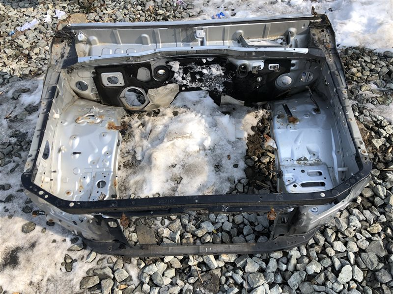 Передняя часть автомобиля Toyota Hilux Surf TRN215 KDN215 KDN215W RZN210 RZN210W RZN215 RZN215W TRN210 TRN210W TRN215W (б/у)