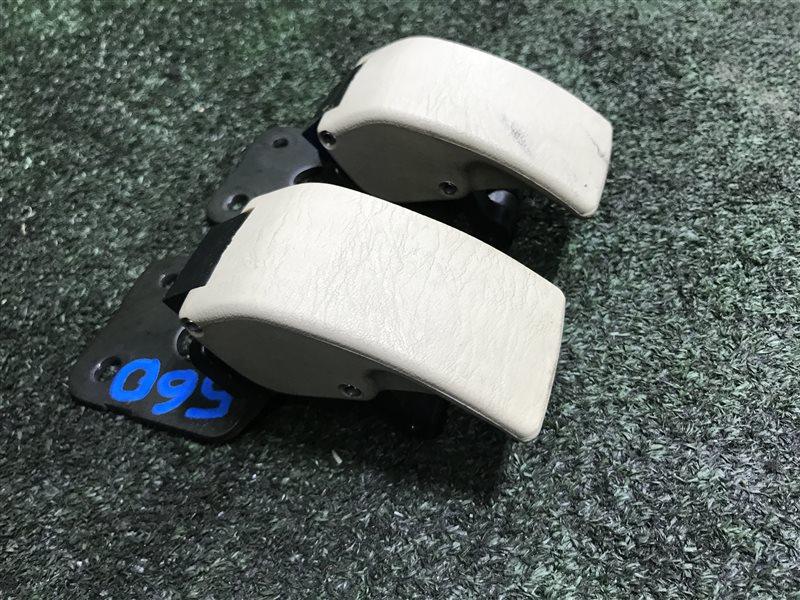 Крепление бокового стекла Toyota Land Cruiser Prado GRJ120 5VZFE (б/у)