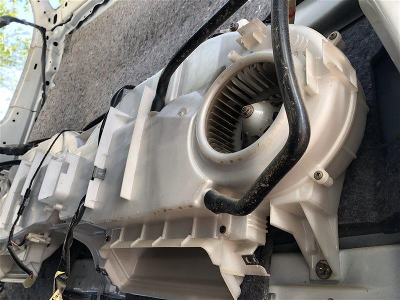 Кондиционер Toyota Grand Hiace KCH10 задний (б/у)