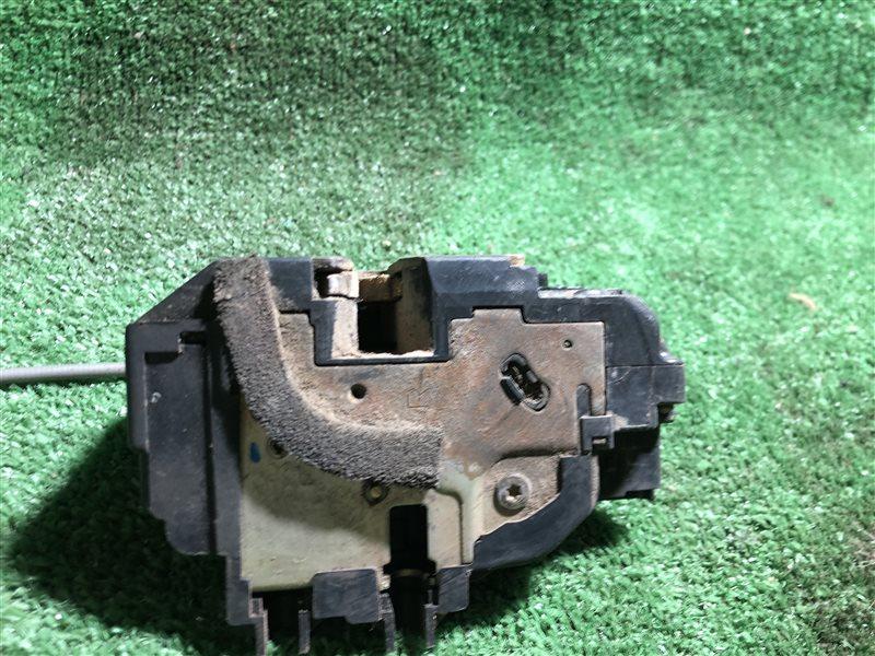 Замок багажника Nissan Cube BNZ11 (б/у)