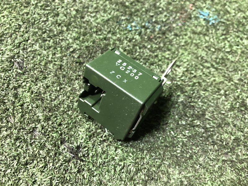 Блок управления замками Nissan Elgrand ALE50 (б/у)