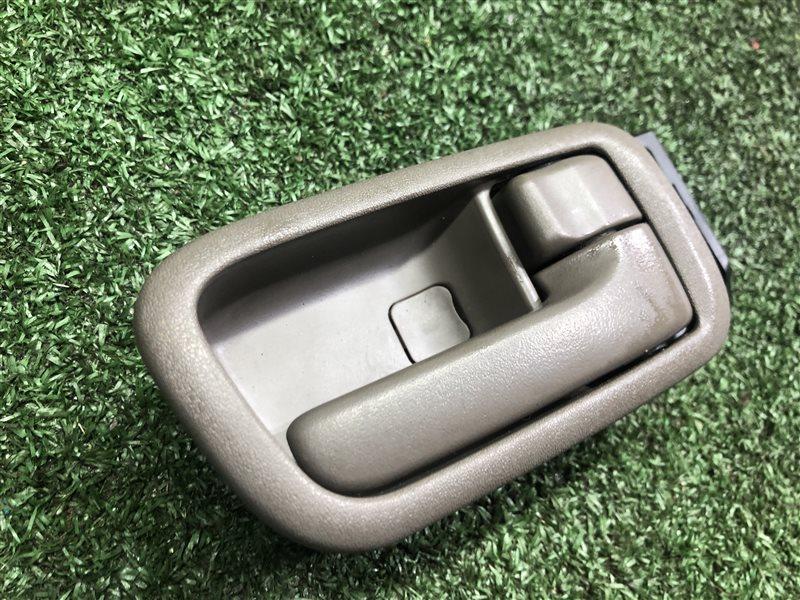 Ручка двери внутренняя Toyota Ipsum CXM10 3SFE 1997 задняя правая (б/у)