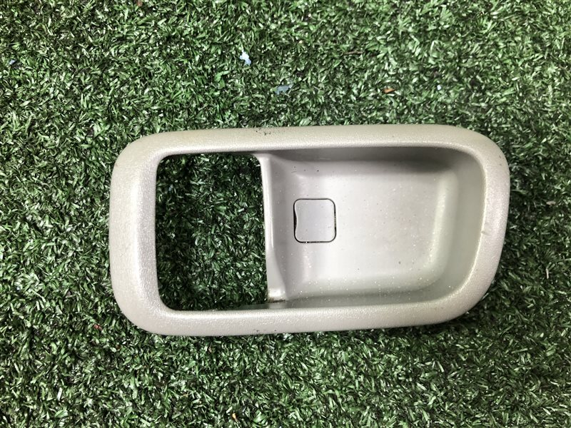 Обшивка двери Subaru Leone AA2 задняя левая (б/у)