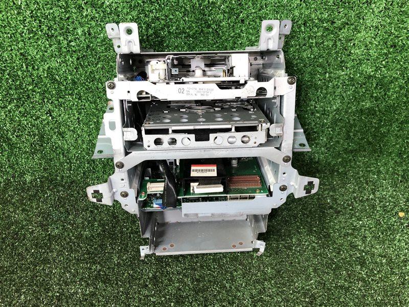 Блок управления магнитолой Toyota Allion AZT240 1ZZFE 2003 (б/у)