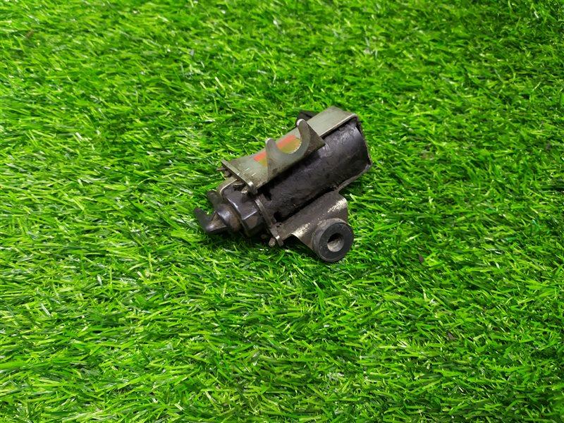 Вакуумный клапан Toyota Hilux Surf KZN185 1KZTE 1998 (б/у)