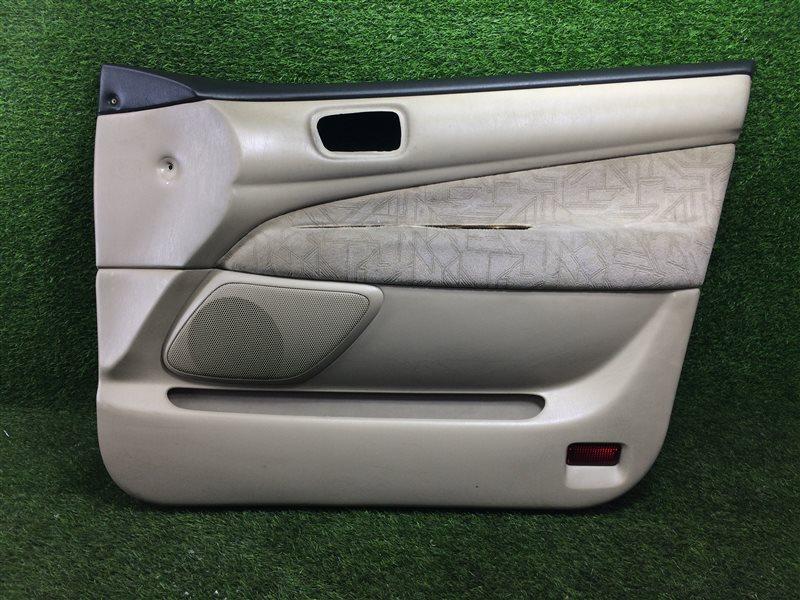 Обшивка двери Toyota Vista SV50 3SFE передняя правая (б/у)