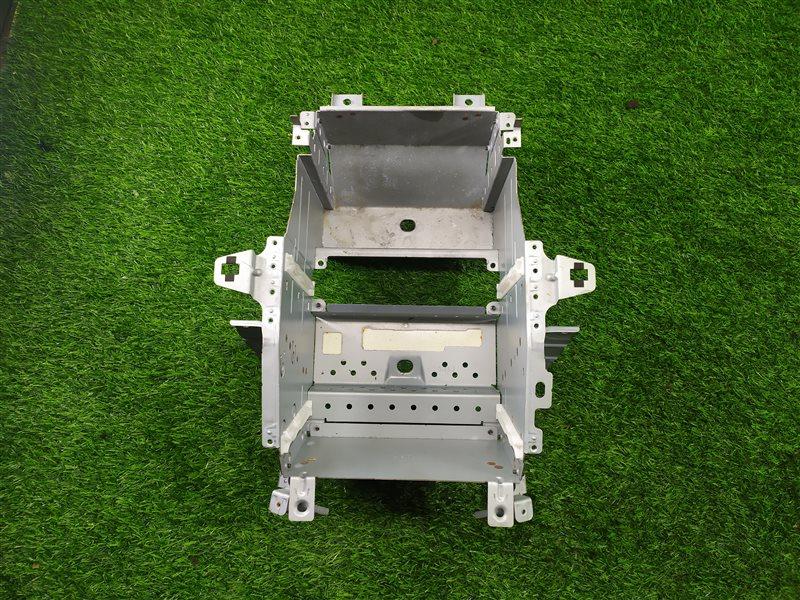 Крепление магнитофона Toyota Allion AZT240 1ZZFE 2002 (б/у)