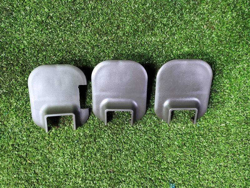 Заглушка крепления сидений Nissan Elgrand ALE50 VQ35DE 2002 (б/у)