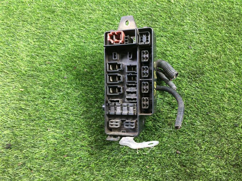 Блок предохранителей под капот Subaru Lagacy BD2 EJ20 (б/у)