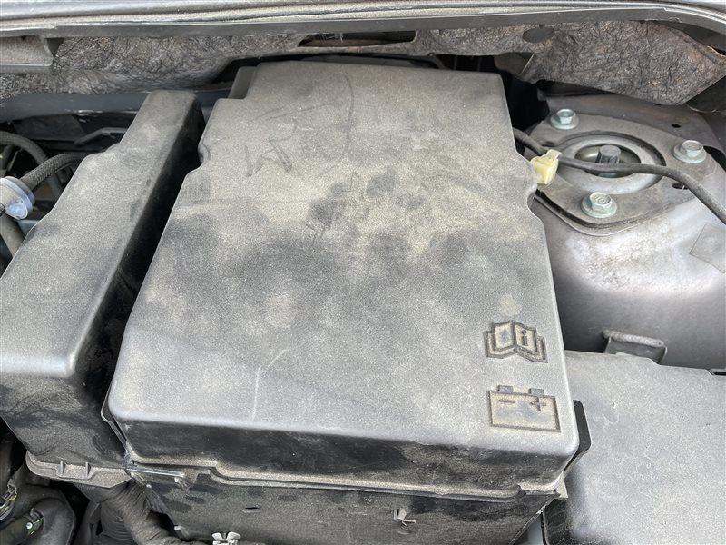 Крышка акб Mazda Premacy CWEFW LFVD 2011 (б/у)