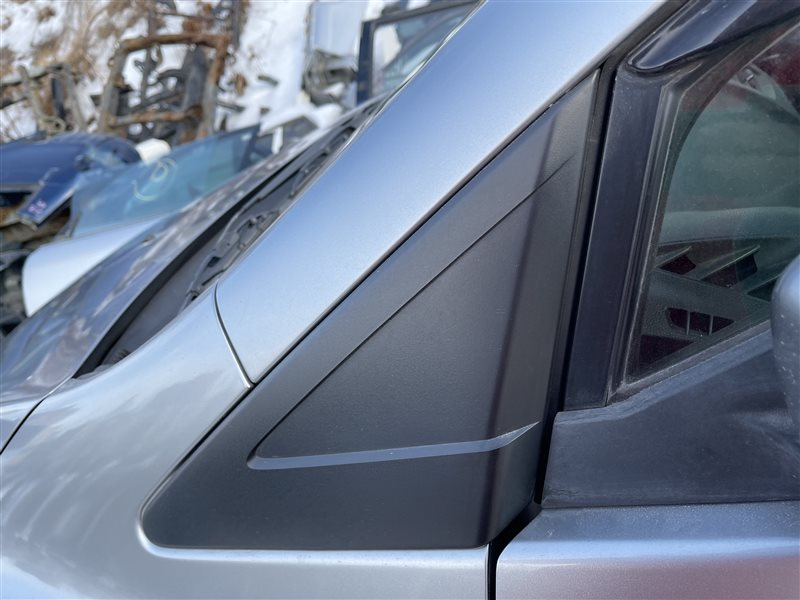 Уголок крыла Mazda Premacy CWEAW LFVD 2011 передний левый (б/у)