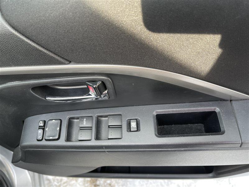 Блок управления стеклами Mazda Premacy CWEAW LFVD 2011 передний правый (б/у)