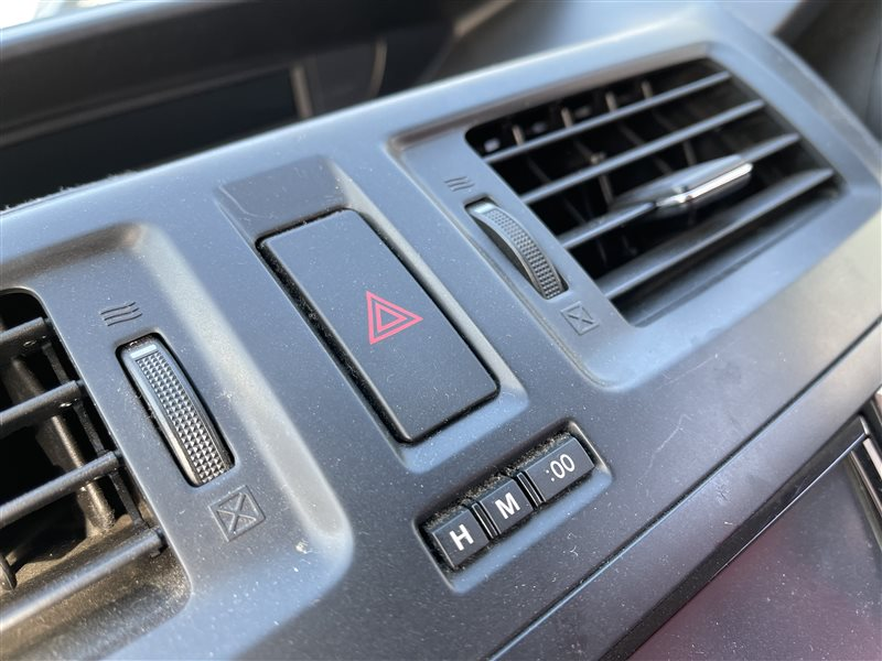 Кнопка аварийной остановки Mazda Premacy CWEAW LFVD 2011 (б/у)