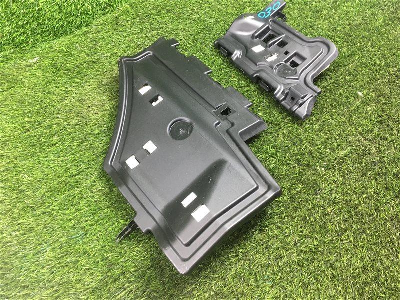 Пластик торпеды Toyota Prius ZVW30 2ZRFXE 2011 нижний (б/у)