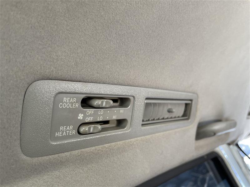 Блок управления климат-контролем Toyota Voxy AZR60 1AZFSE 2006 задний (б/у)