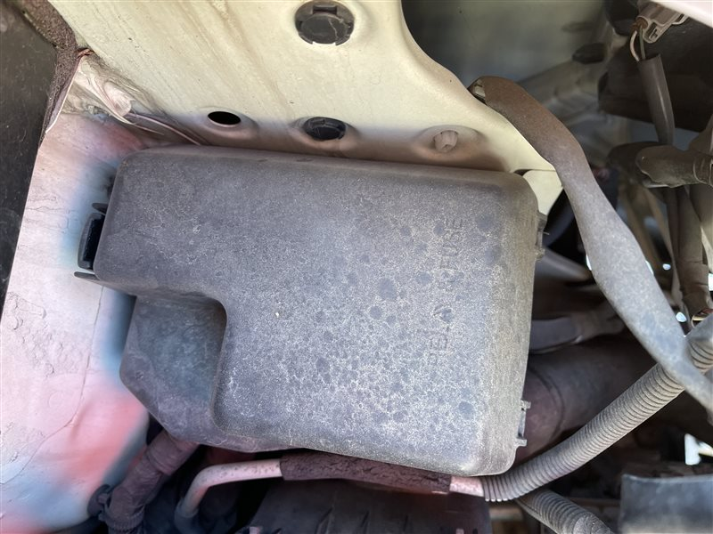 Корпус блока предохранителей Toyota Voxy AZR60 1AZFSE 2006 (б/у)