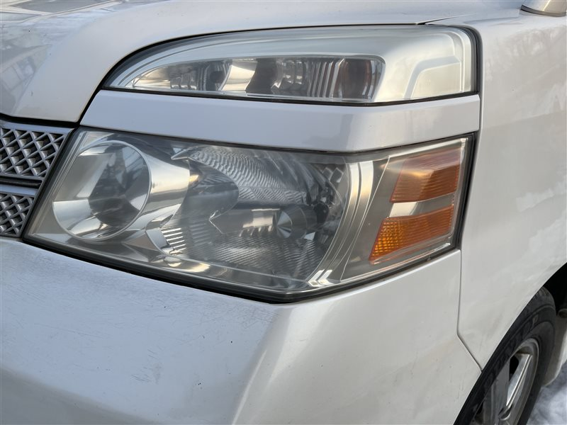 Фара Toyota Voxy AZR60 1AZFSE 2006 (б/у)