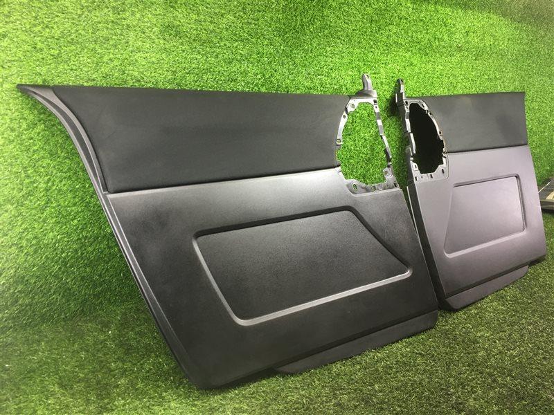 Обшивка дверей Mazda Premacy CWEAW LFVD 2011 задняя (б/у)
