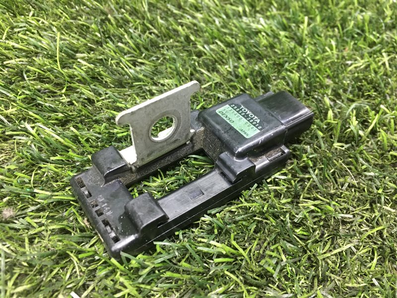 Датчик управления зарядкой аккумулятора Toyota Voxy AZR60 1AZFSE 2006 (б/у)