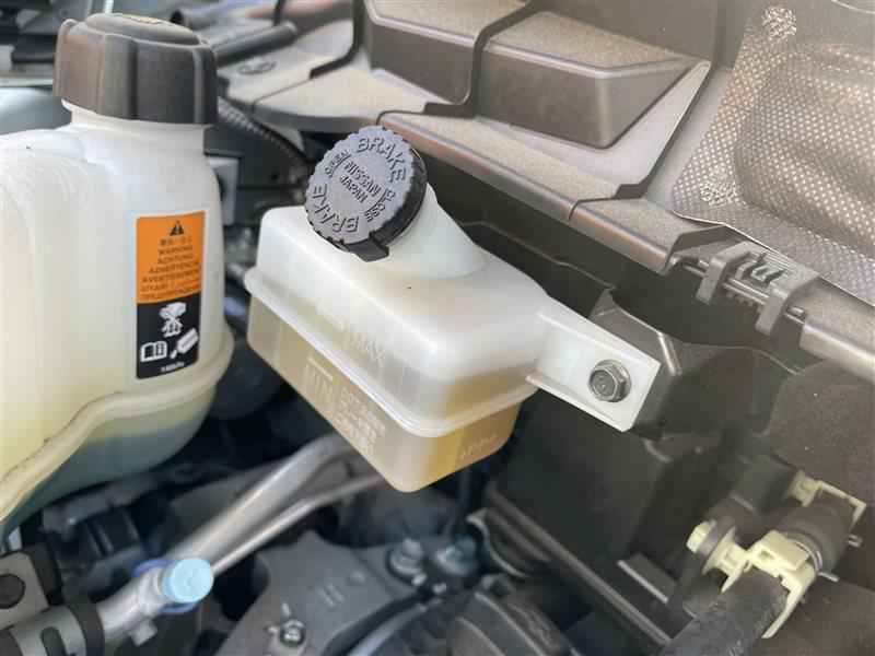 Бачок для тормозной жидкости Nissan Serena C27 HR12DE 2019 (б/у)