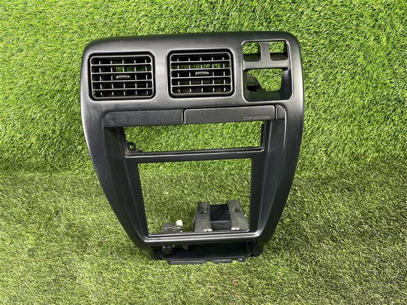 Рамка магнитофона Toyota Hlux Surf KZN185 1KZTE (б/у)