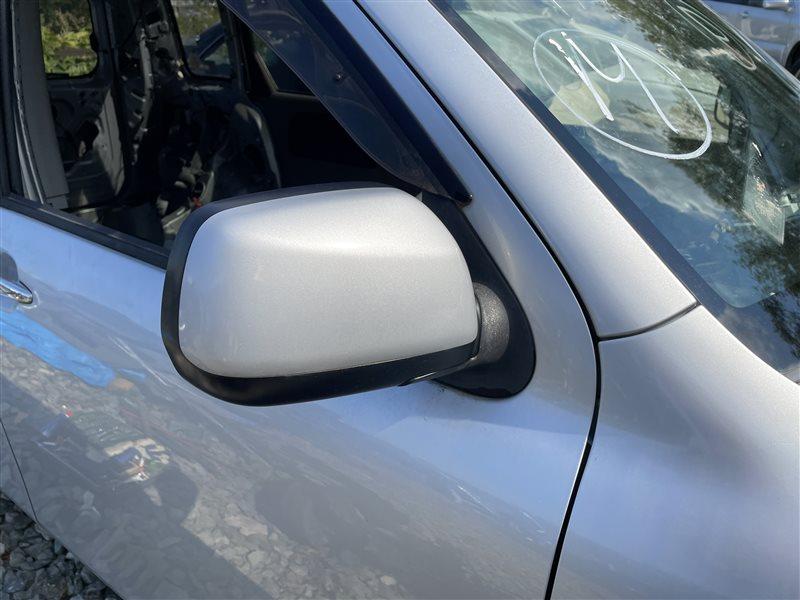 Зеркало заднего вида Toyota Sienta NCP81 1NZFE 2006 переднее правое (б/у)