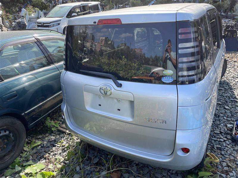 Дверь багажника Toyota Sienta NCP81 1NZFE 2006 задняя (б/у)